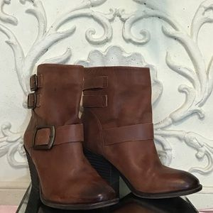 """Lucky Brand """"Tommie"""" Bourbon Leather Ankle Bootie"""